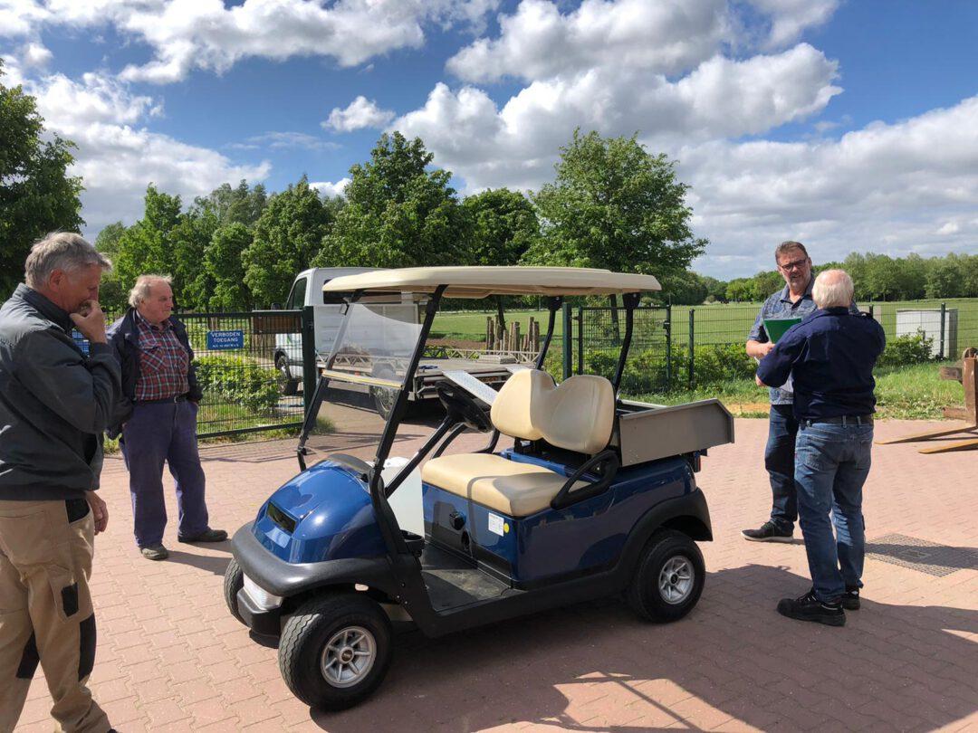 Een golfkar voor de vrijwilligers van het Horsterpark